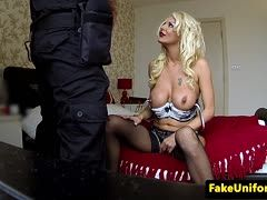 Fake Bulle bumst Dessous Blondine